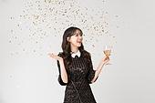 여성, 블랙프라이데이, 드레스 (의복), 미소, 파티, 꽃가루, 샴페인 (와인)