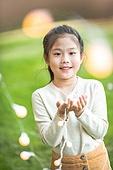 어린이 (인간의나이), 전구, 보케 (포커스), 미소, 감성 (컨셉)