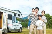 가족, 자식두명과가족 (자식), 캠핑 (아웃도어), 미소, 즐거움, 모터홈 (기타육상교통수단)
