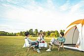 여성, 캠핑 (아웃도어), 미소, 엄마, 텐트, 자식두명과가족 (자식), 즐거움, 대화