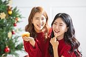 여성, 크리스마스, 친구, 미소, 즐거움, 크림 (유제품), 묻힘 (상태)