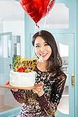 여성, 파티, 드레스, 미소, 즐거움, 생일 (사건), 케이크