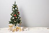 오브젝트 (묘사), 백그라운드, 스튜디오촬영, 실내, 장식품 (인조물건), 크리스마스트리 (크리스마스데코레이션), 크리스마스 (국경일), 겨울, 크리스마스오너먼트 (크리스마스데코레이션), 선물 (인조물건), 선물상자, 크리스마스선물, 담요