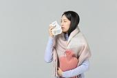 한국인, 동양인 (인종), 겨울, 감기, 질병, 건강관리 (주제), 질병 (건강이상), 한명 (사람의수), 기침, 재채기