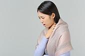 한국인, 동양인 (인종), 겨울, 감기, 질병, 건강관리 (주제), 질병 (건강이상), 고통 (컨셉), 나쁜상태 (상태), 인후염 (질병)