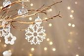 백그라운드, 오브젝트 (묘사), 보케, 크리스마스 (국경일), 크리스마스오너먼트 (크리스마스데코레이션), 연말파티, 겨울, 조명 (발광), 눈송이, 가지 (식물부분), 나무