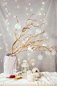 오브젝트 (묘사), 스튜디오촬영 (실내), 테이블, 파티, 연말파티, 보케, 크리스마스 (국경일), 크리스마스오너먼트 (크리스마스데코레이션), 나무, 가지 (식물부분), 디저트, 케이크, 쿠키, 랜턴