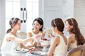 한국인, 여성, 처녀파티 (파티), 파티, 밝은표정, 미소, 브라이덜샤워, 샴페인 (와인), 건배
