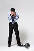 남성, 비즈니스맨, 스트레스, 구속 (컨셉), 절망 (슬픔), 체인 (인조물건), 묶임 (물체묘사), 손으로눈가리기 (가리기)