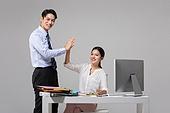 남성, 여성, 비즈니스, 사무실, 인턴 (직업), 하이파이브, 미소, 성공, 협력
