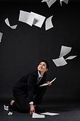 남성, 비즈니스맨, 스트레스, 서류, 떨어지는