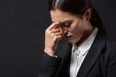 스트레스, 여성, 비즈니스우먼, 신입사원, 생각하는 (정지활동), 스트레스 (컨셉), 두통