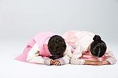 한복, 설 (명절), 명절 (한국문화), 추석 (명절), 한국인, 한국문화 (세계문화), 어린이 (인간의나이), 전통의상 (옷), 한국문화, 큰절, 큰절 (한국전통), 세배, 세배 (큰절), 예절, 예절 (컨셉)