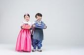 한복, 어린이 (인간의나이), 한국문화 (세계문화), 설 (명절), 명절 (한국문화), 추석 (명절), 새해 (홀리데이), 선물 (인조물건), 선물상자 (상자), 선물세트 (선물)