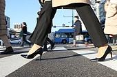 걷기 (물리적활동), 걷기, 건강한생활 (주제), 사람다리, 사람발, 서울 (대한민국), 출퇴근 (여행하기), 보행자, 보행자구역 (인조공간), 보행자구역, 보행로 (길), 횡단보도