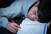 남성, 청년 (성인), 방, 공부, 취업준비생, 잠, 피로 (물체묘사)