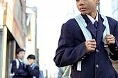 혼혈 (인종), 십대소년 (남성), 중학생, 교복, 다문화가족, 한국인, 왕따, 속삭임 (말하기), 외로움, 갈등