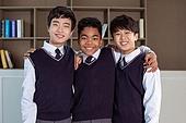 혼혈 (인종), 십대소년 (남성), 중학생, 교복, 다문화가족 (가족), 친구, 미소, 어깨동무