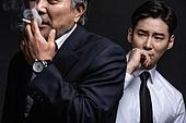 한국인, 남성, 노인, 중년 (성인), 흡연 (주제), 연기 (물리적구조), 간접흡연, 냄새