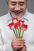 남성, 중년남자 (성인남자), 액티브시니어, 장미, 프로포즈 (축하이벤트), 꽃다발