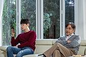 아빠 (부모), 아들, 커뮤니케이션문제 (커뮤니케이션), 세대차이 (나이차이)