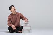선물 (인조물건), 선물상자 (상자), 상자, 선물상자, 발렌타인카드 (축하카드), 발렌타인데이, 화이트데이 (홀리데이), 쇼핑 (상업활동), 세일 (사건), 한국인, 생일선물, 상업이벤트