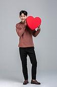 선물 (인조물건), 선물상자 (상자), 발렌타인데이 (홀리데이), 발렌타인데이, 화이트데이 (홀리데이), 쇼핑 (상업활동), 동양인 (인종), 한국인, 상업이벤트, 사랑 (컨셉), I Love You (짧은문구), 전신