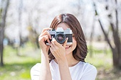 여성, 봄, 벚꽃, 벚나무 (과수), 교외전경 (Setting), 여행, 카메라, 촬영, 미소