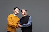 한국인, 아빠, 아들, 가족, 미소, 손잡기 (홀딩)
