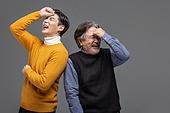 한국인, 아빠, 아들, 가족, 미소, 웃음, 등맞대기, 밝은표정