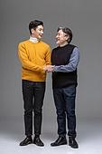 한국인, 아빠, 아들, 가족, 미소, 손잡기, 신뢰 (컨셉), 마주보기 (위치묘사)