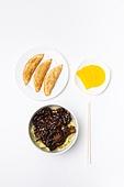 자장면, 자장면 (면), 중국음식 (아시아음식), 블랙데이, 단무지