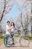 커플 (인간관계), 봄, 데이트, 자전거, 포옹, 미소, 행복