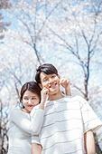 커플 (인간관계), 봄, 여유로운주말 (레저활동), 벚꽃, 데이트, 뺨 (Body Part), 꼬집기 (만지기)