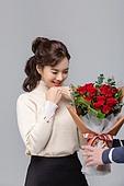 성년의날, 로즈데이, 기념일, 프로포즈 (축하이벤트), 커플 (인간관계), 로맨스 (컨셉), 데이트 (로맨틱), 커플, 데이트, 꽃다발, 장미