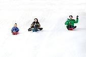 어린이 (인간의나이), 소년 (남성), 겨울, 썰매타기 (겨울스포츠), 썰매 (레크리에이션장비), 플레이 (움직이는활동), 아빠