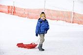 어린이 (인간의나이), 소년 (남성), 겨울, 썰매타기 (겨울스포츠), 썰매 (레크리에이션장비)