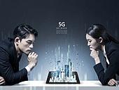 그래픽이미지, 합성, 비즈니스, 4차산업혁명 (산업혁명), 5G, 커뮤니케이션 (주제), 연결 (컨셉), 컴퓨터네트워크 (컴퓨터장비), 비즈니스맨, 비즈니스우먼