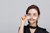 한국인, 동양인 (인종), 청년여자 (성인여자), 선글라스, 클로즈업, 안경, 안경류, 여성, 여성 (성별)