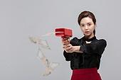 한국인, 구매, 구매 (상업활동), 지폐 (화폐), 과소비 (컨셉), 소비 (컨셉), 소비, 과소비, 자산관리 (금융), 조준 (정지활동)