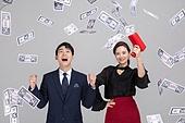 한국인, 동양인 (인종), 누끼, 누끼 (컷아웃), 상업이벤트, 상업이벤트 (사건), 쇼핑 (상업활동), 소비, 구매, 구매 (상업활동), 소비 (컨셉), 과소비 (컨셉), 과소비, 화폐 (금융아이템), 지폐 (화폐), 행복 (컨셉), 금융 (주제), 자산관리 (금융)