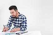 40-49세 (중년), 남성, 취미 (주제), 글씨쓰기 (움직이는활동), 서예 (캘리그래피), 집중