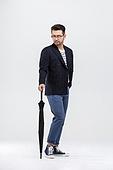 40-49세 (중년), 남성, 패션, 영포티, 멋 (컨셉), 우산 (액세서리)