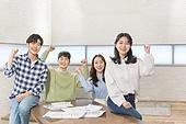 청년 (성인), 스타트업 (소기업), 비즈니스미팅 (미팅), 대학생, 토론, 협력, 미소