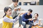 청년 (성인), 청년문화, 드론, 동아리