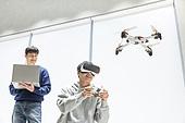 청년 (성인), 청년문화, 드론, 동아리, VR기기 (컴퓨터장비), 리모콘 (전기용품)