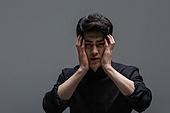 한국인, 한국인 (동아시아인), 동양인 (인종), 동아시아인 (동양인), 한명 (사람의수), 얼굴표정 (커뮤니케이션컨셉), 감정, 심각 (감정), 심각, 고통