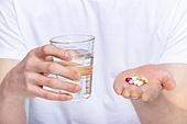 치료, 환자, 진찰, 진찰 (치료), 클리닉 (의료시설), 클리닉, 건강관리, 치료 (사건), 약 (의료품), 의료품, 영양제, 알약, 처방약 (약), 약물남용 (사회현상), 약물남용