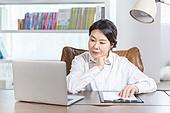 중년여자 (성인여자), 비즈니스우먼, 보험설계사 (금융직), 재취업