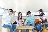 청년 (성인), 대학생, 친구, 보드게임, 청년문화, 즐거움, 미소, 성공